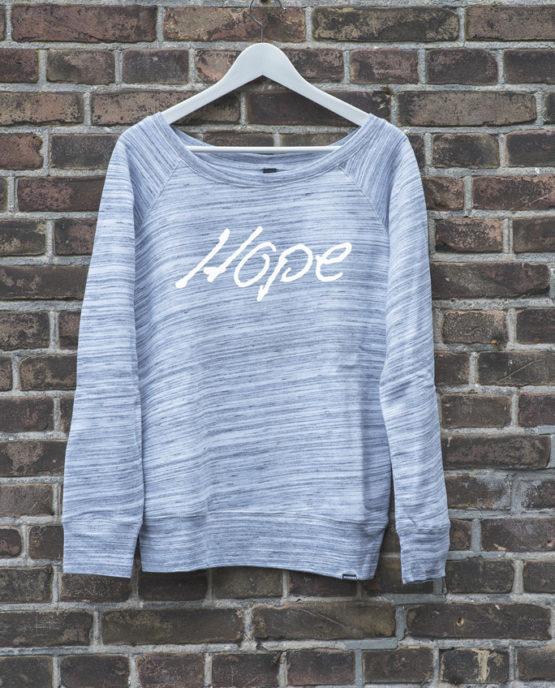 offshoulder_grijs_hope_wit